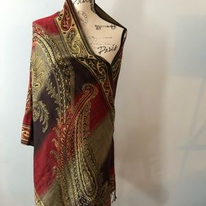 Wrap/scarf beautiful print black, red and gold